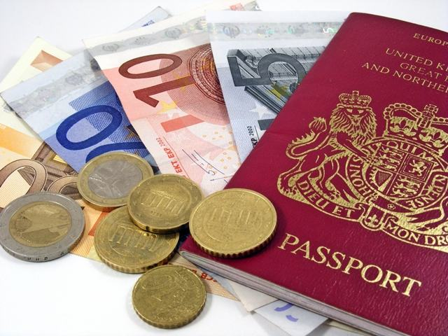 20 Coisas Importantes para Fazer Antes de Viajar dinheiro