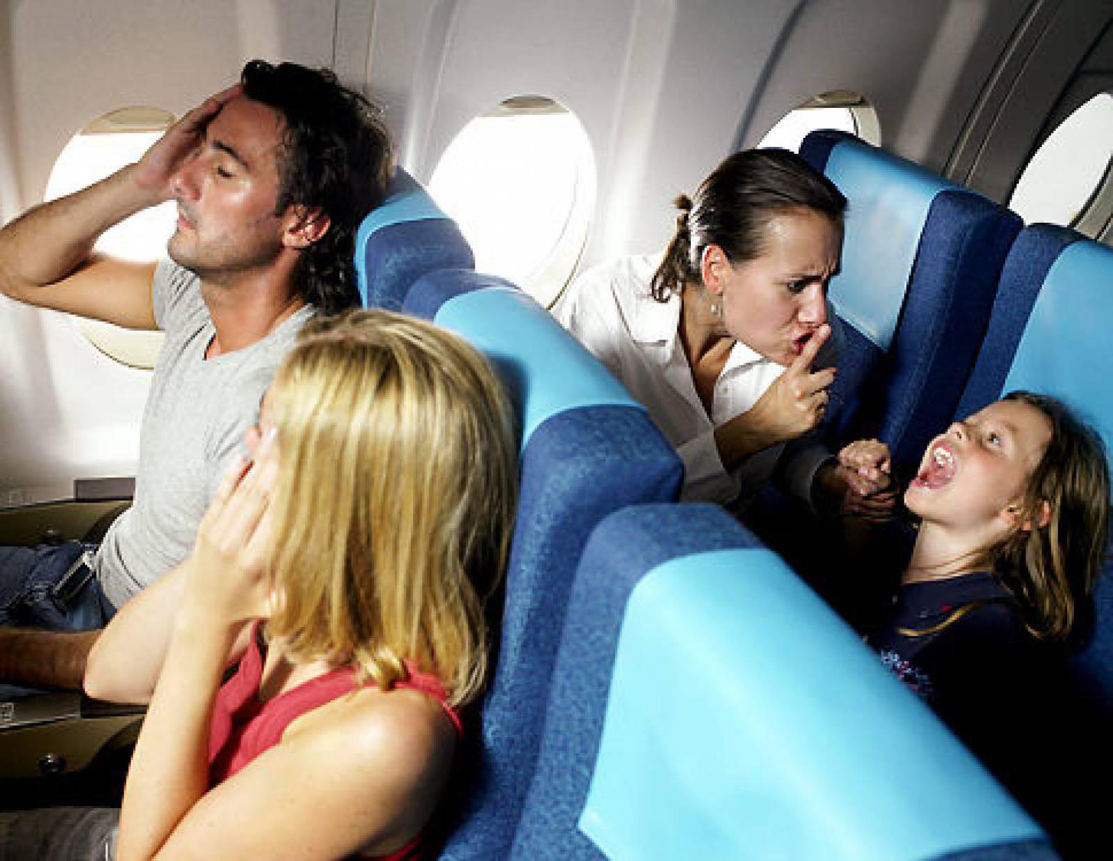 Piores Pessoas que Você pode Encontrar no Avião 1