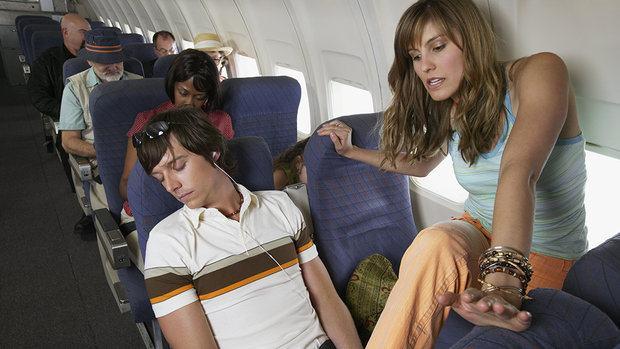Piores Pessoas que Você pode Encontrar no Avião 14