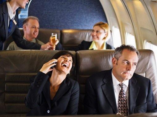 Piores Pessoas que Você pode Encontrar no Avião 4