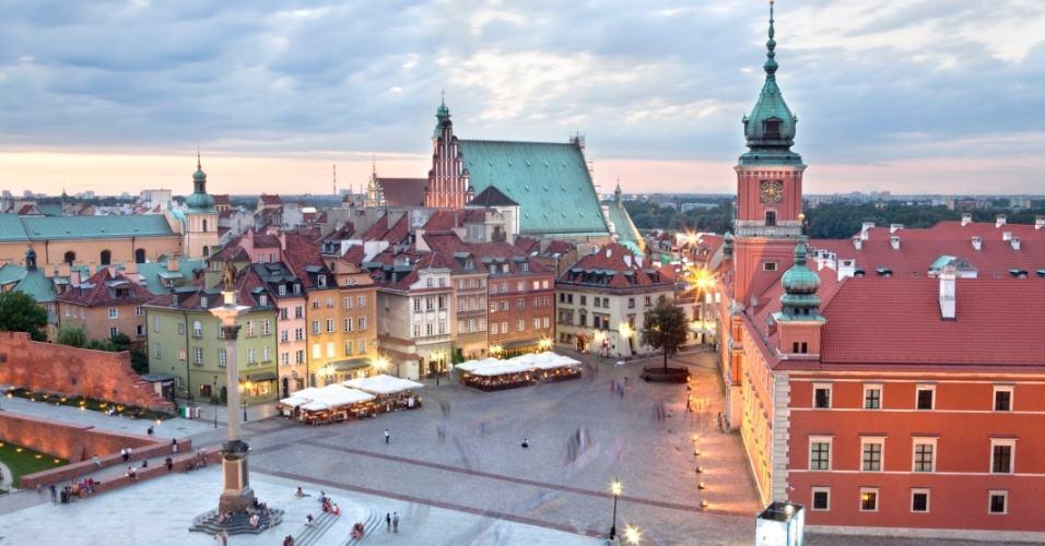 cidade-velha-de-varsovia-na-polonia-1382733886617_956x500